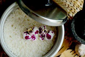 איך להכין אורז בסיר אורז חשמלי