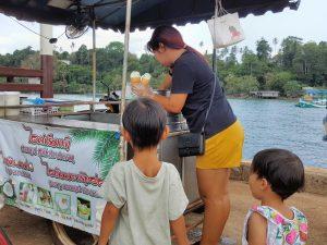 גלידת קוקוס תאילנדית